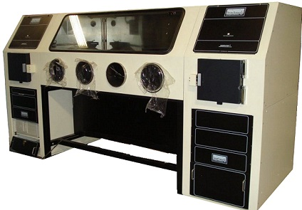 BENCHMARK SYSTEM 2000 SEAM SEALER IN GLOVE BOX WITH VACUUM OVEN